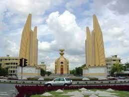 バンコクの民主記念塔