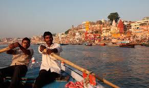 インド、バラナシのガンジス川