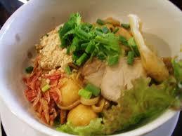 タイ料理、センレックヘーン ルークチンプラー