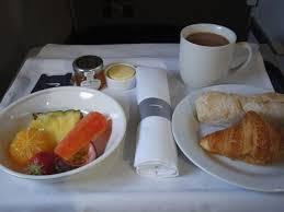 美味しい機内食を楽しむ