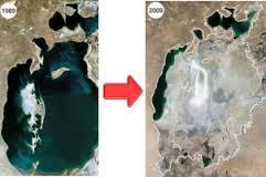 ウズベキスタンの干上がった海アラル海