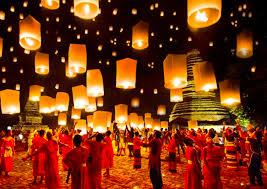 タイの幻想的な祭りロイカトン