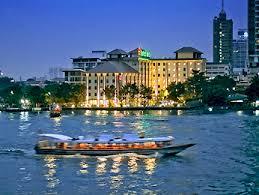 バンコク・チャオプラヤー川沿いのホテル