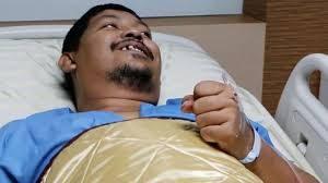 タイでトイレ中ニシキヘビに噛まれた男性