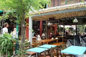 カオサン通りのおしゃれなオープンカフェ