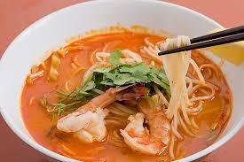 タイ料理は箸を使って食べよう