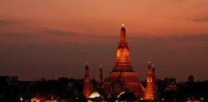 タイ・バンコクの人気観光地ワット・アルン