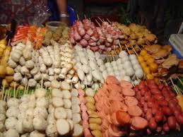 タイの食べ物ルークチン