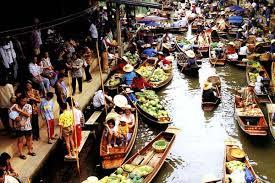 バンコク市内から近いタウンチャリン水上マーケット