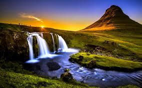 「絶景」「荘厳」「美しすぎる」世界の滝