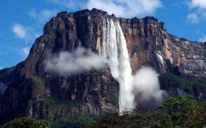 世界で最も高い滝 (ベネズエラのエンジェルフォール)