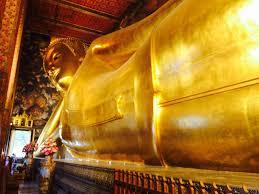 バンコクに人気観光寺院ワットポー