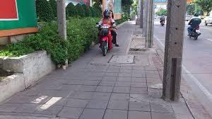 バンコクの交通マナー