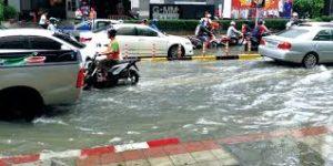 タイの道路はどちら側通行?