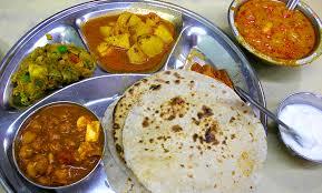スパイシーなパキスタンカレーは美味しい