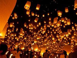 タイ・チェンマイのランタン祭り「ロイクラトン」