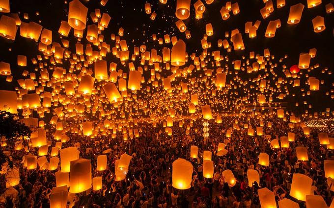 タイのチェンマイ観光ガイド ⑦ 11月開催のロイクラトン祭り