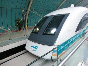上海のリニアモーターカー