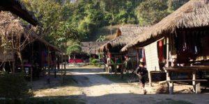 タイの山岳民族が暮らす村バーン・トン・ルアン