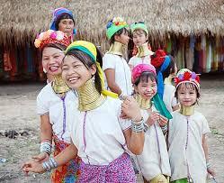 チェンマイに暮らす首長族の人々