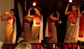 チェンマイで舞踊と伝統料理を楽しもう