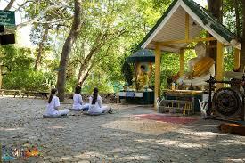 チェンマイの瞑想寺院「ワット・ウモーン」