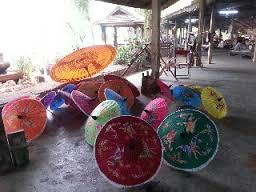 チェンマイ・サンカムペーンの伝統工芸品