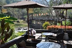 ラウィーワリーリゾート & スパ内にある「Pont Cafe」