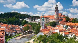 中世ヨーロッパの美しい街並みチェコのチェスキークルムロフ歴史地区