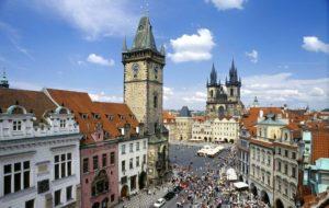 中世の歴史的町並みプラハの旧市街