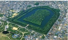仁徳天皇陵の墓
