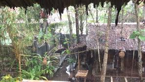 インドネシア、ジャワ島で密造酒を飲んで死亡