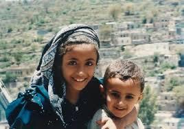 こんな素敵な笑顔をイエメン中の子供たちから見たいものです!
