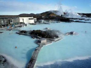アイスランドの有名な温泉は美しい