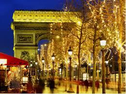 フランスパリのロマンティッククリスマスは年末年始の人気海外旅行先