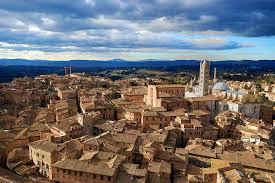 世界一美しい街イタリアのシエナ