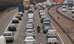 海外で車やバイクを運転するしに必要な国際運転免許証の取得方法と有効期限