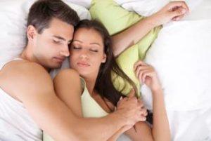 パートナーのいびき寝相寝言対処法