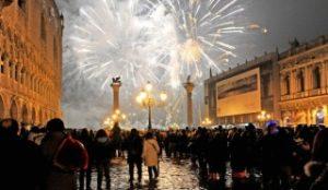 海外の人気カウントダウン花火イベント、イタリアヴェネツィア