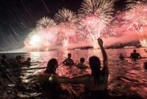 リオデジャネイロの年越しカウントダウン花火イベント