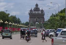 タイ & 日本からラオスの首都ビエンチャンへの行き方