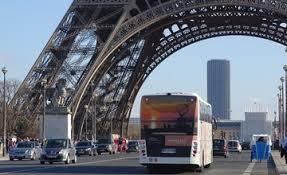 シャルル・ド・ゴール空港から凱旋門・エッフェル塔への移動はバス (LE BUS DIRECT」) が便利!