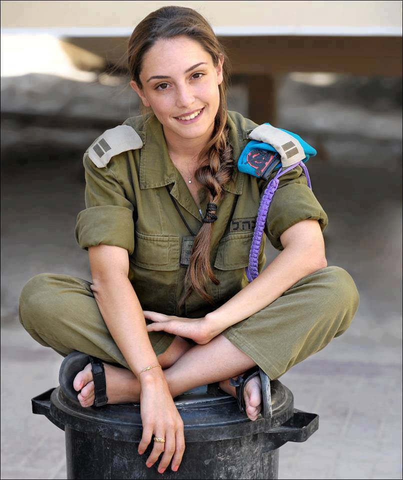 アジアの徴兵制 & かわいすぎるイスラエルの女兵士たち