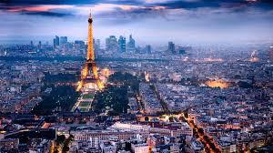 パリの朝食はエッフェル塔を眼下に眺めながら♡