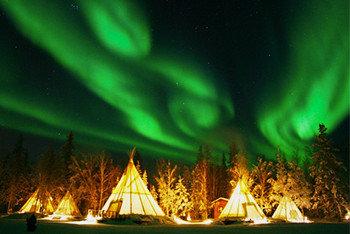 夏のオーロラ鑑賞:イエローナイフ (カナダ) は世界有数の人気スポットです