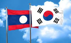 ラオスにて…派手な韓国と地味な日本